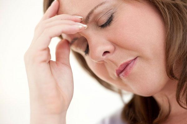 Vì sao phụ nữ thời kỳ tiền mãn kinh dễ bị rối loạn tiền đình?