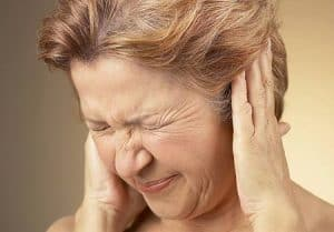 Khi bị ù tai phải làm sao – Nỗi băn khoăn của nhiều người