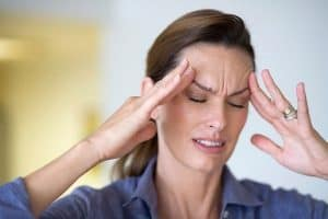 Thủ phạm gây ra bệnh hoa mắt chóng mặt đau đầu Thủ phạm gây ra bệnh hoa mắt chóng mặt đau đầu TƯ VẤN