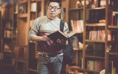 Nguyễn Ngọc Thạch - nhà văn đang được các bạn trẻ yêu thích