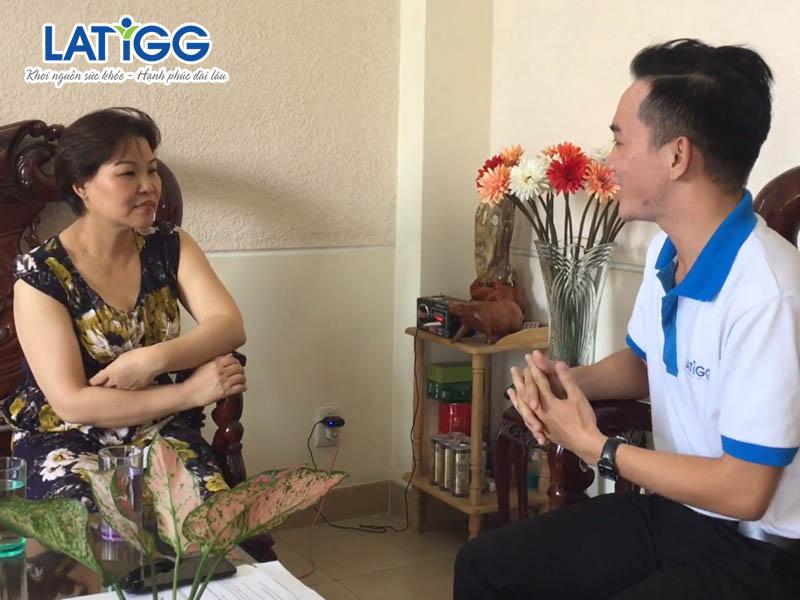 choáng váng Choáng váng là bệnh gì, cách hỗ trợ chữa trị và vượt qua rối loạn tiền đình của chị Hà
